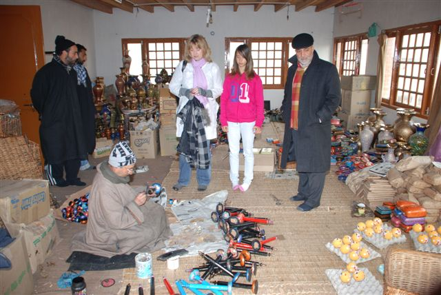 Carolyn Wilson visiting Kashmiri weavers
